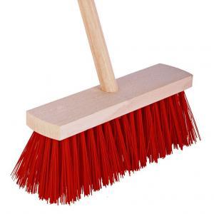 Bezem rood 28 cm met beugel en houten steel 120 cm